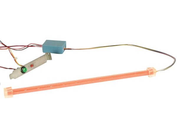 VELLEMAN PCLR1 KIT MET KNIPPERENDE LED STAAF VOOR PC TUNING - ROOD